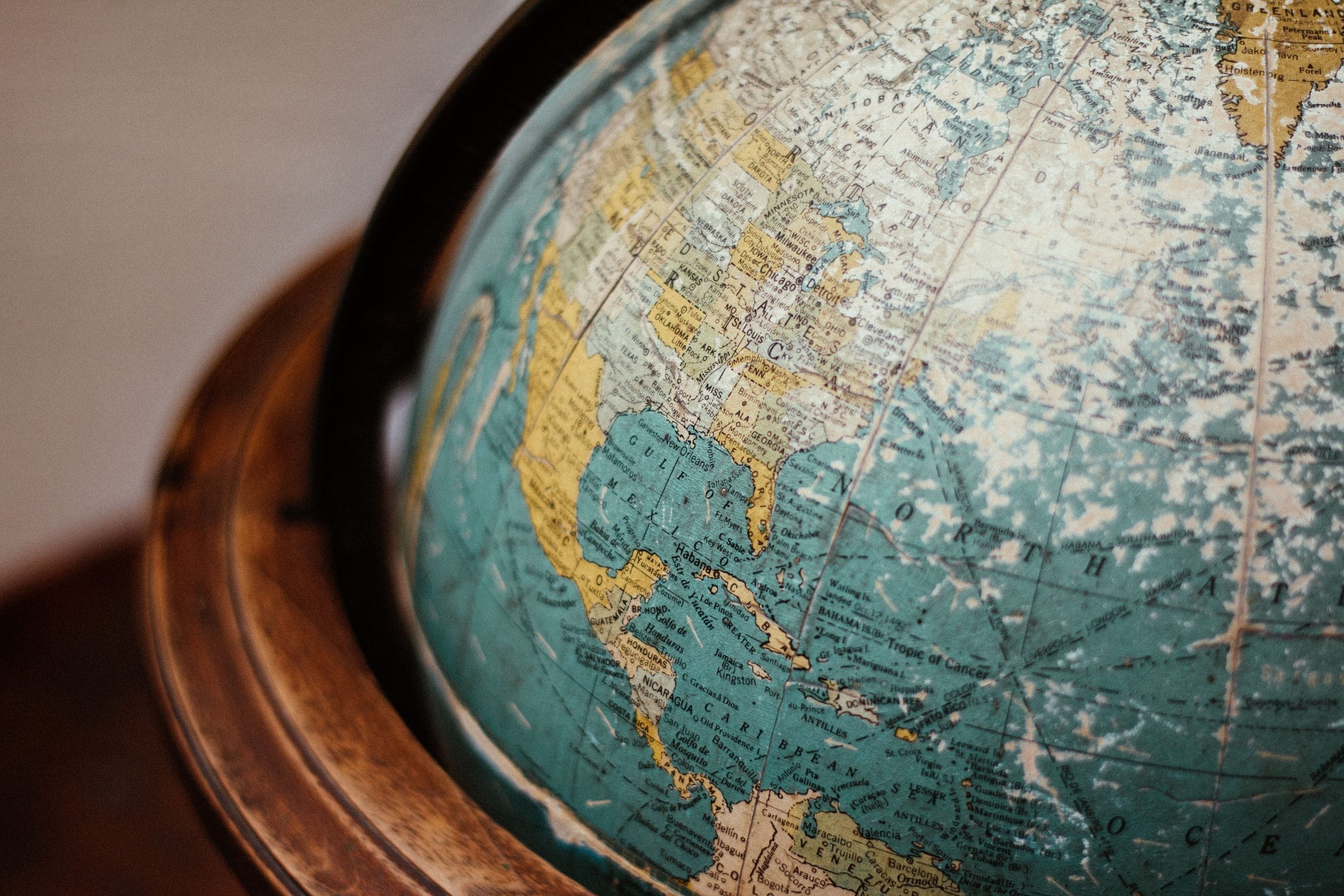 Advantages of doing business on several continents